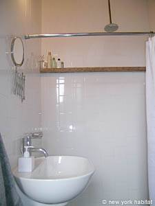 New York 1 Bedroom accommodation - bathroom (NY-14156) photo 1 of 2