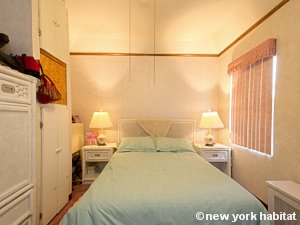 New York 3 Bedroom accommodation bed breakfast - bedroom (NY-14212) photo 2 of 5