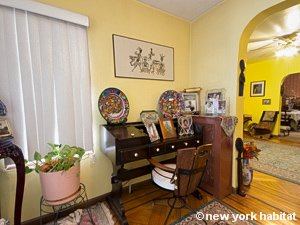 New York 3 Bedroom accommodation bed breakfast - living room (NY-14212) photo 4 of 8