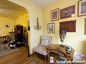 New York 3 Bedroom accommodation bed breakfast - living room (NY-14212) photo 3 of 8