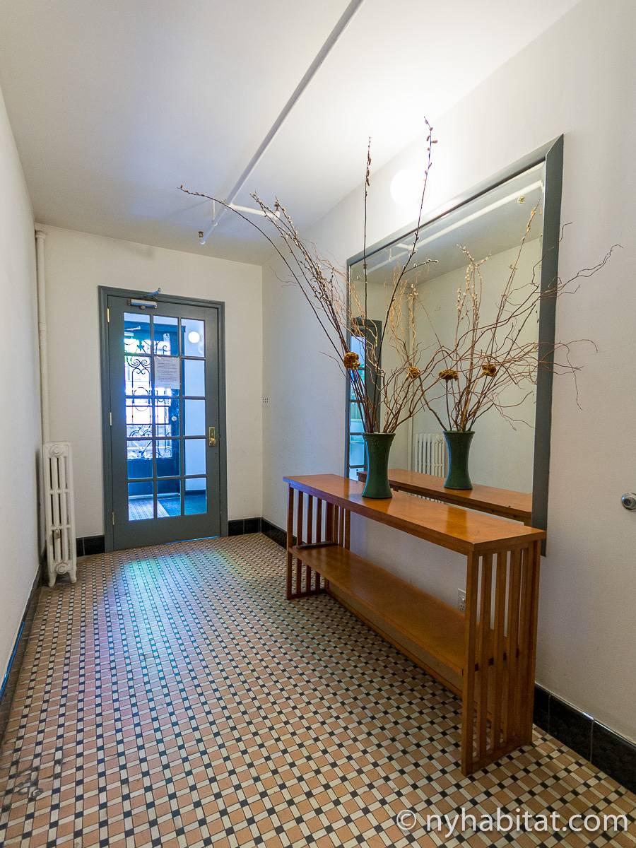 wohnungsvermietung in new york 2 zimmer upper west side ny 14269. Black Bedroom Furniture Sets. Home Design Ideas