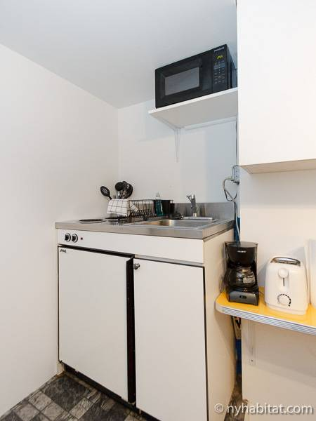 ... New York Studio Apartment   Kitchen (NY 14305) Photo 3 Of 4 ...