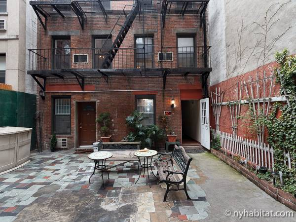 New york accommodation studio apartment rental in clinton for Hell s kitchen nyc apartments