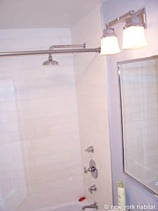 New York Studio apartment - bathroom (NY-14339) photo 3 of 3