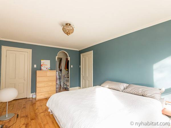 New York 3 Bedroom - Triplex accommodation - bedroom 1 (NY-14369) photo 5 of 7