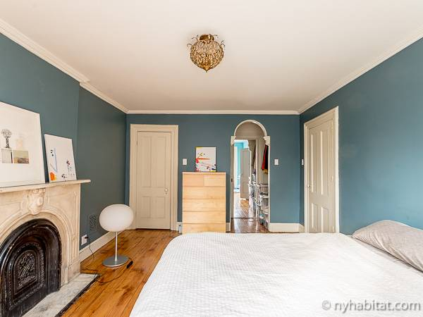 New York 3 Bedroom - Triplex accommodation - bedroom 1 (NY-14369) photo 6 of 7