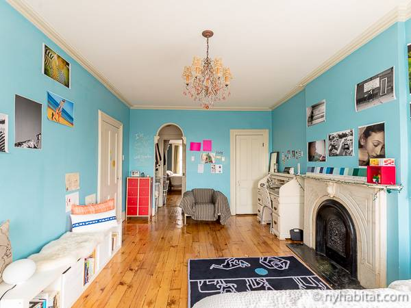 New York 3 Bedroom - Triplex accommodation - bedroom 2 (NY-14369) photo 7 of 8