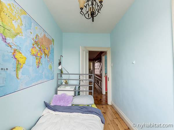 New York 3 Bedroom - Triplex accommodation - bedroom 3 (NY-14369) photo 2 of 3
