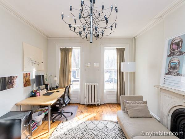 New York 3 Bedroom - Triplex accommodation - living room 1 (NY-14369) photo 2 of 6