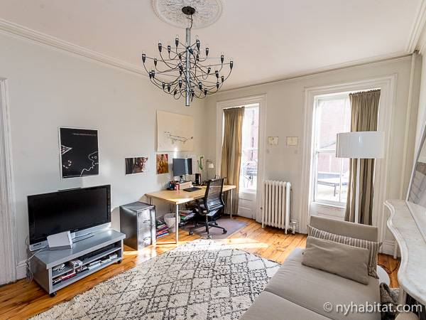 New York 3 Bedroom - Triplex accommodation - living room 1 (NY-14369) photo 3 of 6