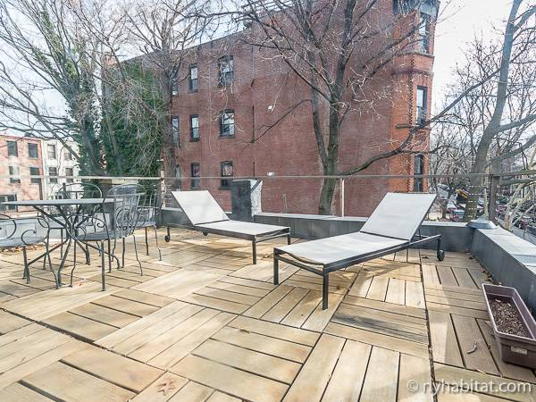 New York 3 Bedroom - Triplex accommodation - living room 1 (NY-14369) photo 5 of 6