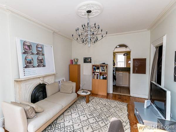 New York 3 Bedroom - Triplex accommodation - living room 1 (NY-14369) photo 4 of 6
