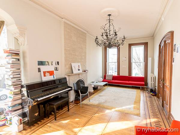 New York 3 Bedroom - Triplex accommodation - living room 2 (NY-14369) photo 3 of 7