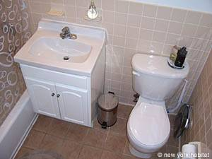 New York 1 Bedroom accommodation - bathroom (NY-14390) photo 1 of 4