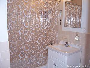 New York 1 Bedroom accommodation - bathroom (NY-14390) photo 3 of 4