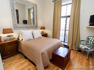 New York 2 Bedroom - Duplex accommodation - bedroom 2 (NY-14402) photo 1 of 5
