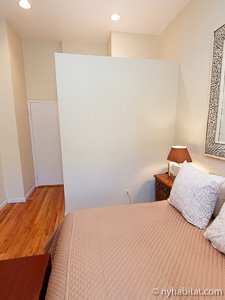 New York 2 Bedroom - Duplex accommodation - bedroom 2 (NY-14402) photo 4 of 5