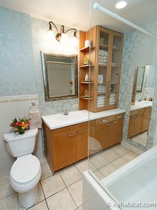 New York 2 Bedroom - Duplex accommodation - bathroom 1 (NY-14402) photo 1 of 3