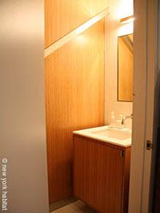 New York T4 - Triplex logement location appartement - salle de bain 1 (NY-14435) photo 1 sur 2