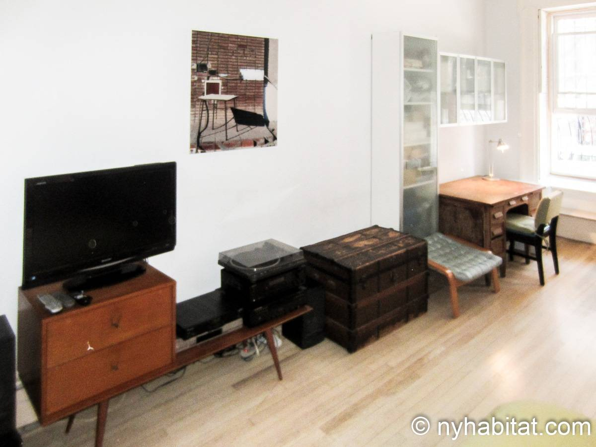 New York 1 Bedroom accommodation bed breakfast - bedroom (NY-14595) photo 8 of 9