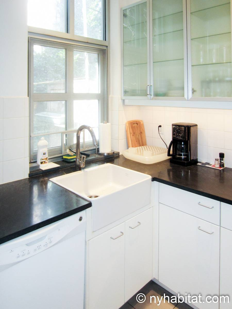 New York 1 Bedroom accommodation bed breakfast - kitchen (NY-14595) photo 3 of 4