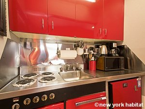 New York Studio accommodation - kitchen (NY-14638) photo 3 of 4