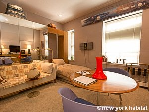 New York Studio accommodation - living room (NY-14638) photo 3 of 8