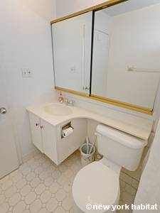 New York 2 Bedroom apartment - bathroom 1 (NY-14663) photo 2 of 2
