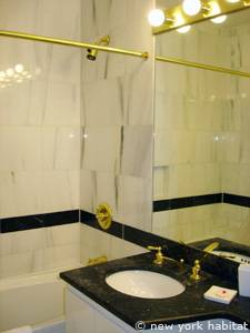 New York 2 Bedroom accommodation - bathroom 1 (NY-14745) photo 1 of 3