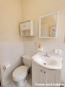 New York 1 Bedroom accommodation - bathroom (NY-14781) photo 2 of 3