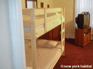 New York 3 Bedroom - Duplex accommodation - bedroom 1 (NY-14866) photo 4 of 7