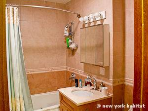 New York 2 Bedroom apartment - bathroom 1 (NY-15000) photo 1 of 1