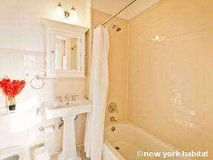 New York 1 Bedroom apartment - bathroom (NY-15085) photo 2 of 3