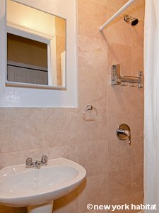 New York 4 Bedroom apartment - bathroom 1 (NY-15182) photo 1 of 2