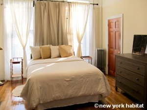 New York 2 Bedroom - Duplex accommodation - bedroom 2 (NY-15223) photo 2 of 4