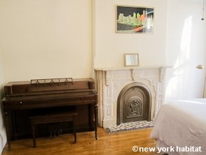 New York 2 Bedroom - Duplex accommodation - bedroom 2 (NY-15223) photo 3 of 4