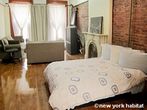 New York 2 Bedroom - Duplex accommodation - bedroom 1 (NY-15223) photo 1 of 6
