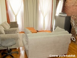 New York 2 Bedroom - Duplex accommodation - bedroom 1 (NY-15223) photo 4 of 6