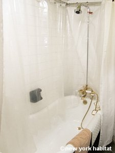 New York 2 Bedroom - Duplex accommodation - bathroom 2 (NY-15223) photo 1 of 2