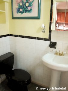 New York 2 Bedroom - Duplex accommodation - bathroom 2 (NY-15223) photo 2 of 2