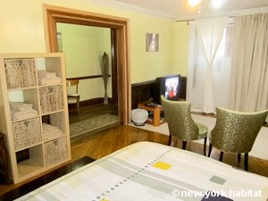 New York 2 Bedroom - Duplex accommodation - living room (NY-15223) photo 2 of 6