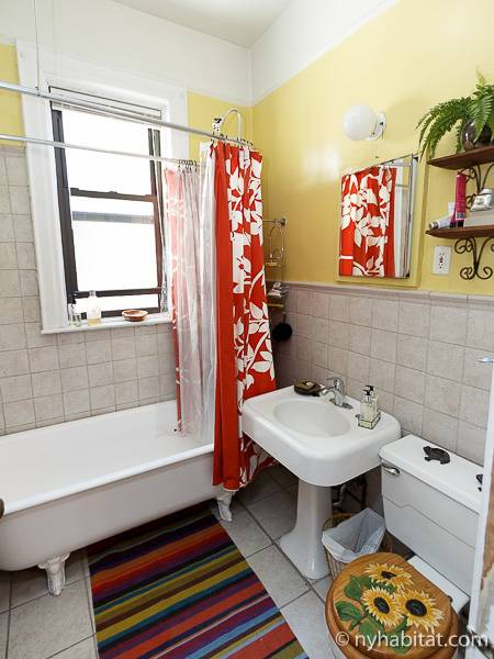 New york roommate room for rent in harlem 3 bedroom apartment ny 15285 for Rooms for rent in nyc with private bathroom