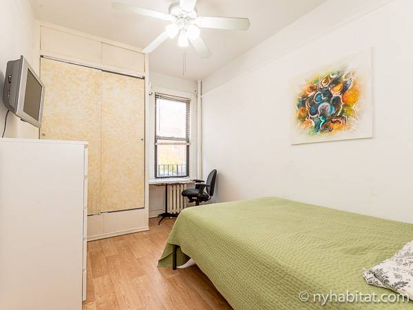 new york room for rent 1 bedroom apartment for a roommate in astoria