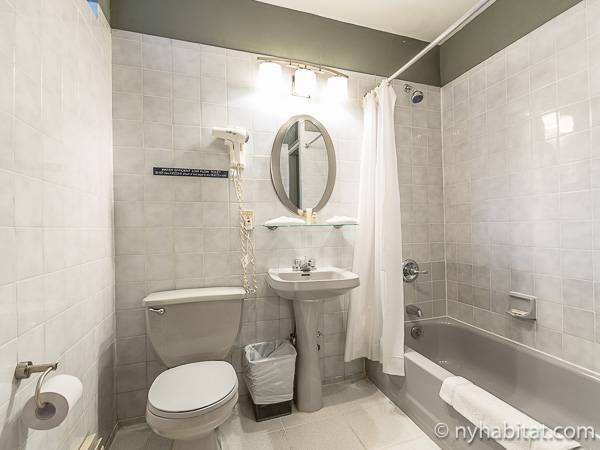 New York T2 logement location appartement - salle de bain (NY-15307) photo 1 sur 2