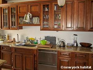 New York 3 Bedroom roommate share apartment - kitchen (NY-15328) photo 2 of 4