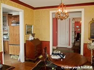 New York 3 Bedroom roommate share apartment - living room 2 (NY-15328) photo 4 of 5
