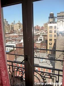 New York 3 Bedroom roommate share apartment - living room 1 (NY-15328) photo 5 of 5