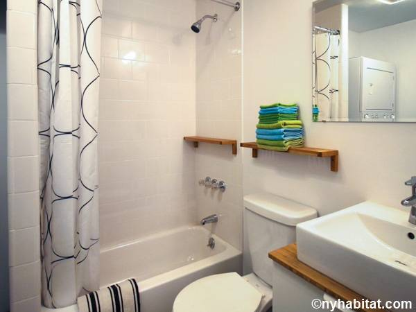 New York 1 Bedroom accommodation - bathroom (NY-15347) photo 1 of 1
