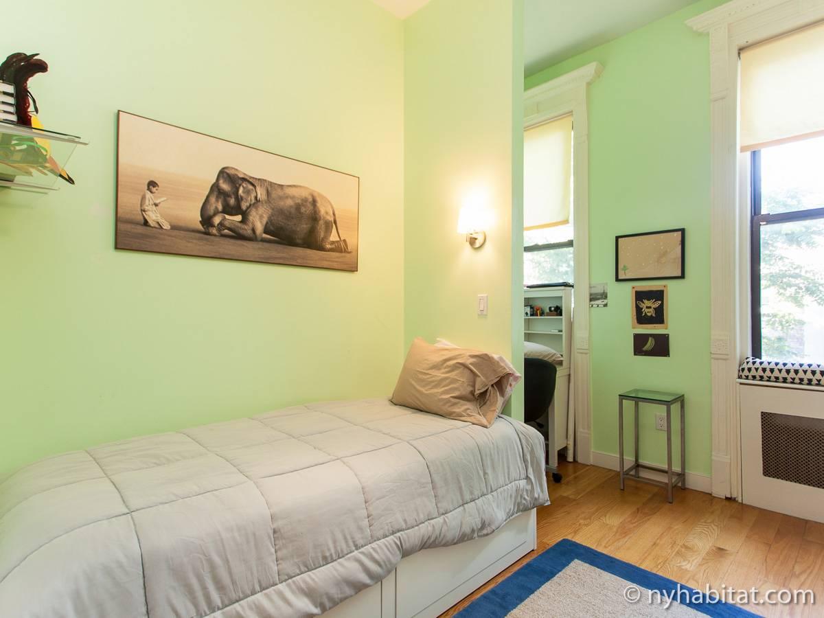 New York Accommodation 4 Bedroom Triplex Apartment Rental In Harlem Ny 15383