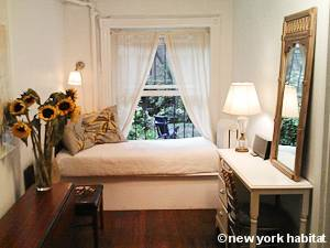 New York 1 Bedroom accommodation - bedroom (NY-15458) photo 4 of 7